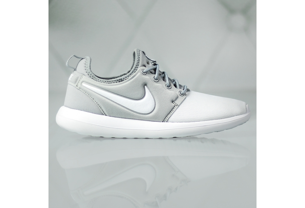 RQ61100002273 The introduction Nike W Roshe Two Hi Flyknit Deep
