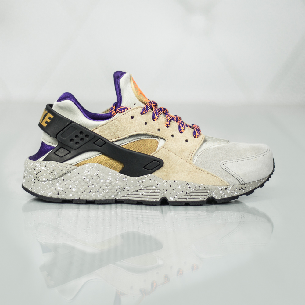 nike air huarache run prm 704830 200 beige purple. Black Bedroom Furniture Sets. Home Design Ideas