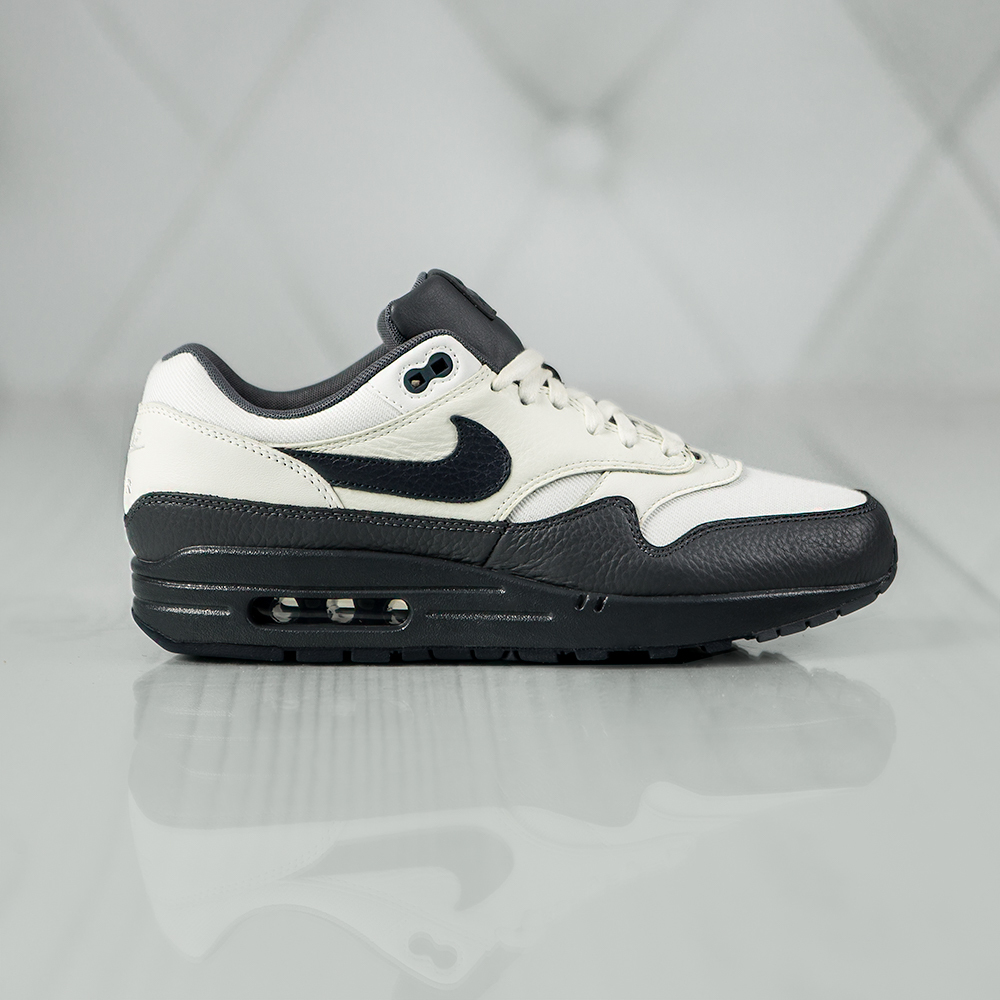 nike air max 1 premium 875844 100 cream grey en. Black Bedroom Furniture Sets. Home Design Ideas