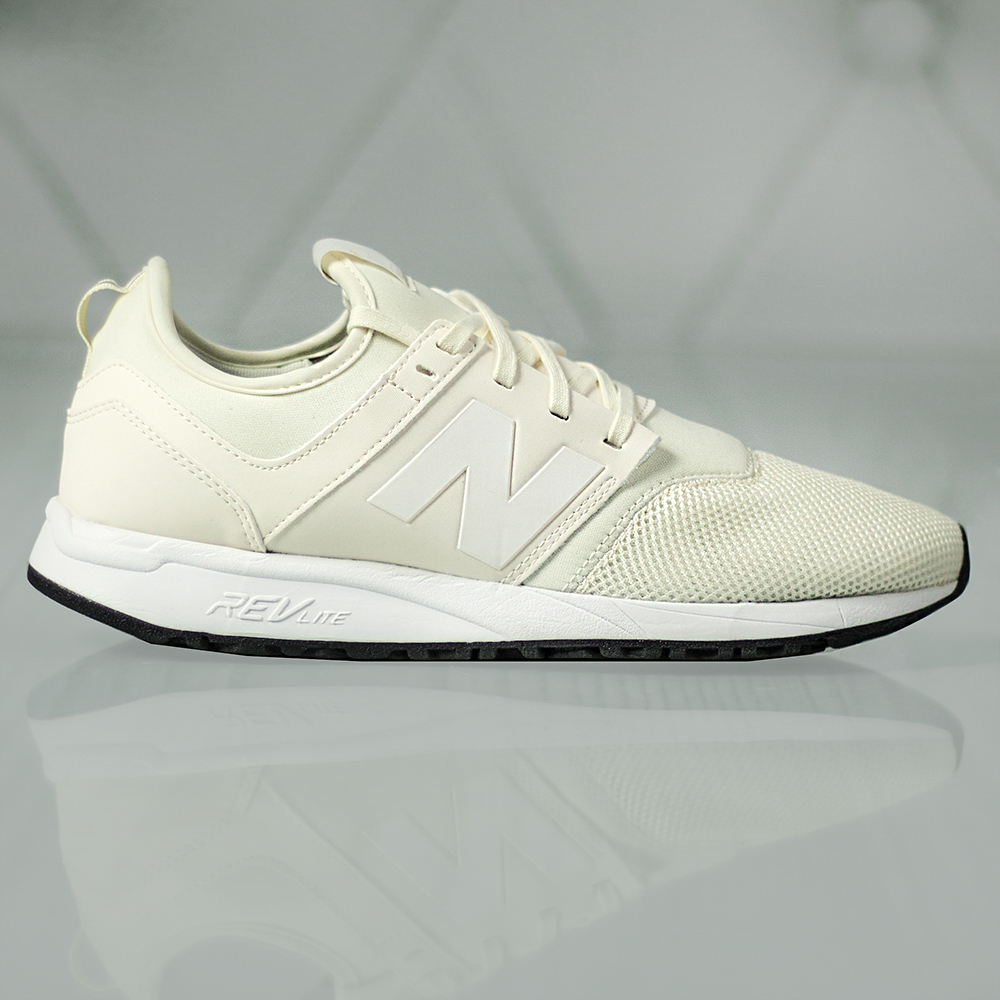 new balance 247 trainers in white mrl247aw